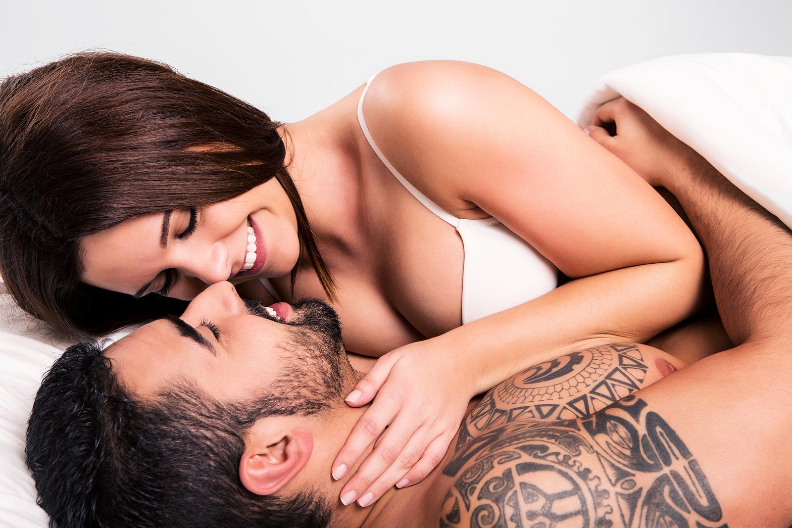 Фото романтика секс, Нежный секс романтичной парочки в спальне порно фото 6 фотография